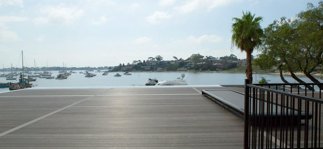 Building a floating deck over a membrane is simple, fast and affordable