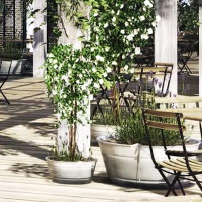 Plastic decking vs hardwood timber decking: a simple comparison